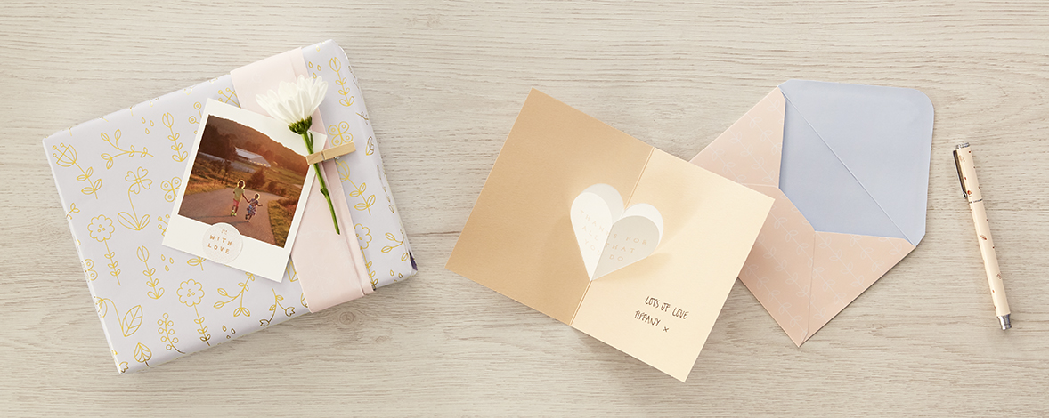 Wrap your Mother's Day gifts with this cute wrapping idea
