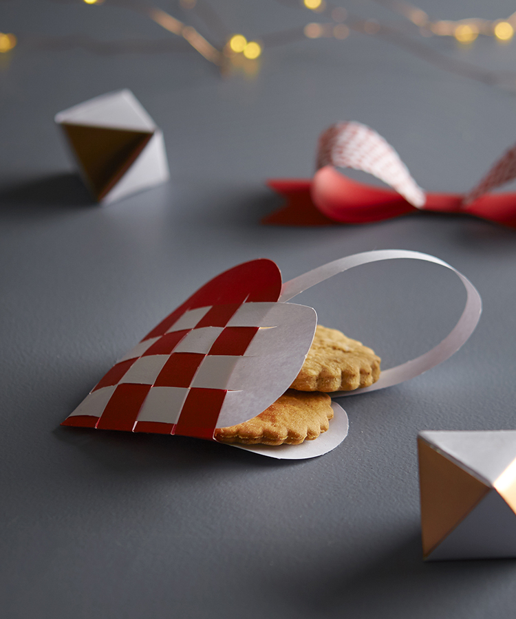 Download this Swedish Paper Heart Ornament